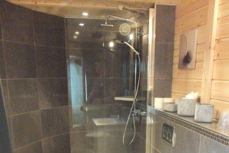 r alisation salle de bains monsieur oto carreleur collaboration soci t stinc. Black Bedroom Furniture Sets. Home Design Ideas
