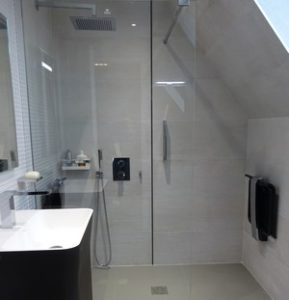 création de salles de bains artisan carreleur eure