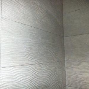 faïence grand format structurée artisan carreleur installation création pose  Trouville Rouen Evreux